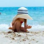 Лучшие солнцезащитные средства для детей: рекомендация EWG