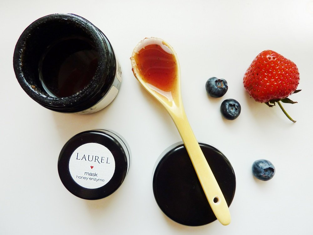 laurel honey berry mask 1