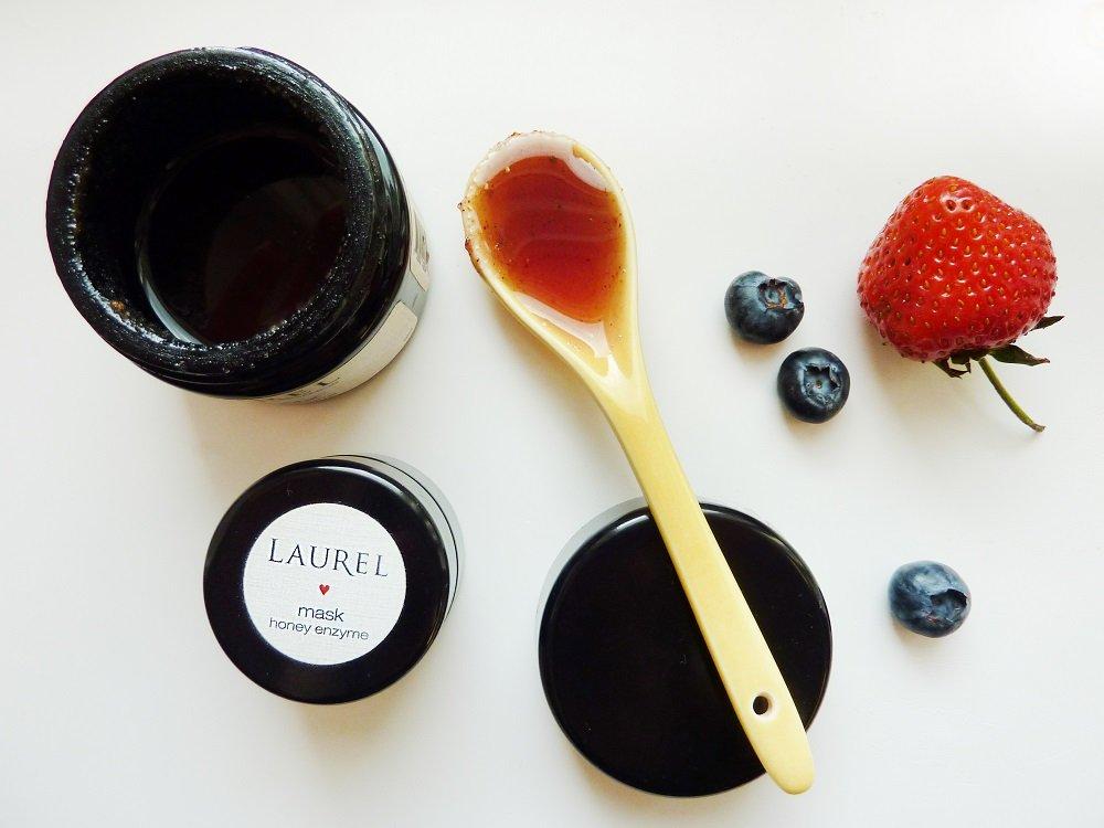 laurel honey berry mask 1
