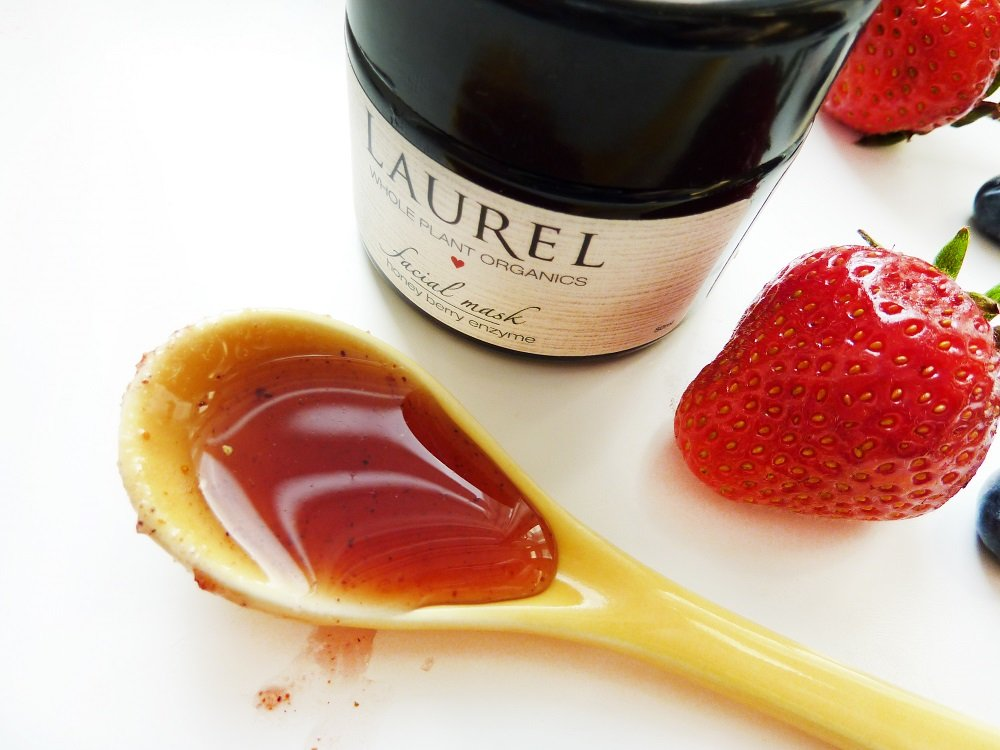 laurel honey berry mask